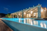 Artina Luxury Villa